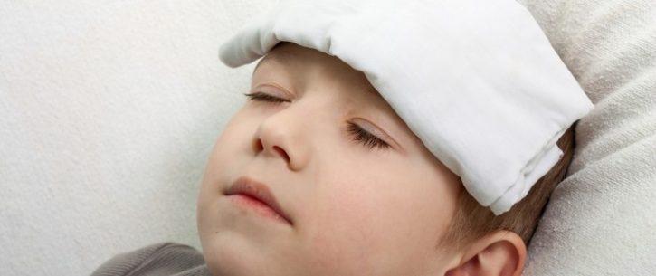 banho frio para baixar a febre